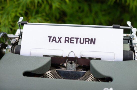 Filing an ITR tax return form